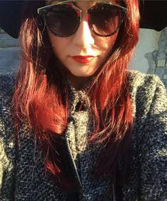 Ultra-red. #consiglidimakeup #redhairdontcare #redhair #red #hair #girl #xmas #sunglasses #xmas #sunnyday #ibblogger #bblogger #bloggerlife #beautyblogger