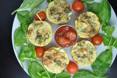 Healthy Egg Muffins with Tuna Healthy Savoury Muffins, Savory Breakfast, Muffins Sains, Queijo Cottage, Keto Recipes, Healthy Recipes, Mets, Afternoon Snacks, Cottage Cheese