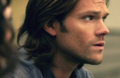 one sensual stroke through that head of hair and i'll die one happy camper <3