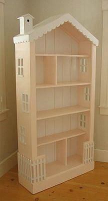 What a fantastic idea.. Turn an old bookshelf into a Dolls House!