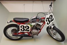 One of the biggest names in the 1960s dirt bike craze that hit the US was Hodaka, maker of delightfully-named bikes such as the Combat Wombat.