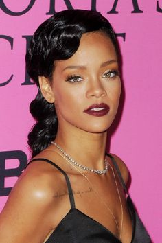 8ef606c9 Yas queen! Rihanna has totally changed up her hair colour and it looks  incredible