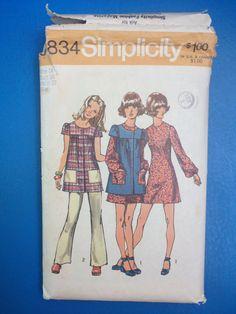 Vintage 1970's Simplicity 9834 Sewing Pattern // by ElkHugsVintage, $6.00