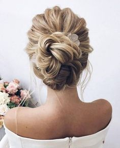 15 easy and simple updo ideas that you can try - Brautfrisur - Wedding Hairstyles Elegant Wedding Hair, Vintage Wedding Hair, Short Wedding Hair, Wedding Hair And Makeup, Trendy Wedding, High Updo Wedding, Bridal Hair Updo High, Elegant Updo, Wedding Upstyles