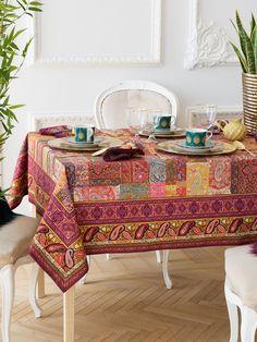 Viste tu #mesa con los textiles más chic #mantel #vajilla #menaje