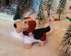 Beagle Dog Ornament, Wine Cork Craft, Wine Decor, Wine Gift, Beagle Wine: