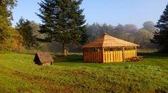 Shelters, teltpladser, hytter og madpakkehuse. Shelterpladser, lejrpladser m. bål, toilet og mulighed for teltslagning, eller bare overnatning i det fri i nogle af Naturstyrelsens skovområder, er blandt de muligheder du har for at overnatte i naturen.  Vi har valgt at vise de pladser som stilles til rådighed af Naturstyrelsen og Vejle Kommune. Er du interesseret i flere muligheder kan du undersøge det på Friluftsrådets hjemmeside om overnatninger i det fri.   Muligheder for booking af…