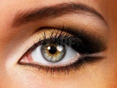 Round eyes – Apply one shade over the entire lid and then extending it to the outer corners.