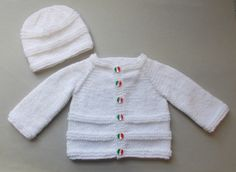 Roma Baby Cardigan Jacket & Hat This knit pattern / tutorial is available for free. Full Post: Roma Baby Cardigan Jacket & H. Baby Cardigan Knitting Pattern Free, Baby Boy Knitting Patterns, Baby Sweater Patterns, Knitted Baby Cardigan, Knit Baby Sweaters, Baby Pullover, Baby Patterns, Free Knitting, Sweater Hat
