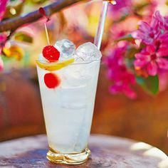 Christmas tipple - Tom CollinsThe first Tom Collins recipe was written by the father of modern cocktail making, Jerry Thomas. It's a simple mix of gin, lemon and sugar syrup, shaken over ice.