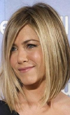 Beautiful Shoulder Length Straight Blonde With Bangs Jennifer Aniston Inspired W… - Long Bob Frisuren Hot Haircuts, Long Bob Hairstyles, Celebrity Hairstyles, Hairstyles Pictures, Layered Haircuts, Middle Hairstyles, Celebrity Bobs, Bobbed Haircuts, Layered Lob