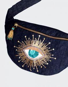 Handmade Clutch, Purses And Bags, Doll, Embroidery, Fashion, Embroidery Hoop Art, Hand Embroidery, Denim Bag, Cosmetic Bag