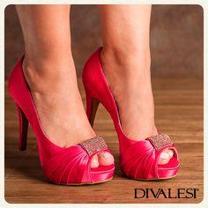 Arrase nesta terça-feira, Diva!   #Divalesi #Perfeito #lindo #sapato