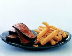 Spice-Rubbed Steak with Quick Garlic Fries Recipe | Food Recipes - Yahoo Shine