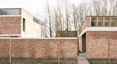 House and workshop for an Artist, Freek Dendooven - Gijs De Cock - Peter Van… Brick Cladding, Brick Facade, Facade House, Home Architecture Styles, Brick Architecture, Brick Building, Building Exterior, Brick Colors, Stone Houses