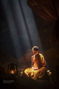 """Understanding is the heartwood of well-spoken words."" – The Buddha, Kimsila Sutta Photo by: Tippawan Kongto Title: Meditate ♥ lis Art Buddha, Buddha Kunst, Buddha Zen, Buddha Buddhism, Buddhist Monk, Buddhist Temple, Religion, Tibetan Art, Unalome"