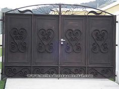 House Main Gates Design, Front Gate Design, Fence Design, Modern House Design, Acadian Style Homes, Drive Gates, Front Gates, Iron Doors, Garden Gates