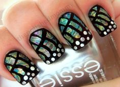 I found this and thought of my BFF Whitney  she did this type of thing 2 my nails once it looked Sooo cool!!