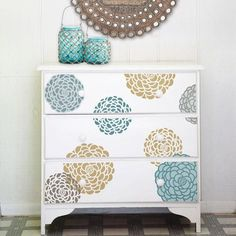Stencil a bed of lush zinnia flowers with the Bloomers Furniture Stencil Set from the Bonnie Christine Stencil Collection. This multi-layered, 3-piece furniture