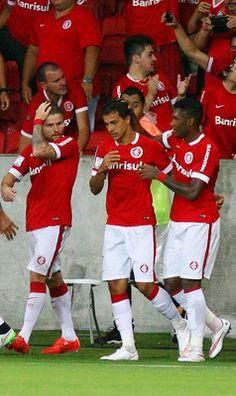 Internacional v Emelec In This Photo: Nilmar Nilmar of Internacional celebrates the team's first goal during match between Internacional and Emelec as part of Copa Bridgestone Libertadores 2015, at Estadio Beira-Rio on March 4, 2015, in Porto Alegre, Brazil.