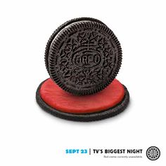 Grab your Oreo cookies and get your Milk ready -- it's television's biggest night of the year! Oreo Treats, Oreo Cookies, Twist And Shout, Some Recipe, Advertising, Oreos, Marketing Ideas, Tvs, Campaign