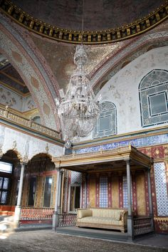Sultan's Throne in the Imperial Hall, Topkapi Palace, Istanbul, Turkey