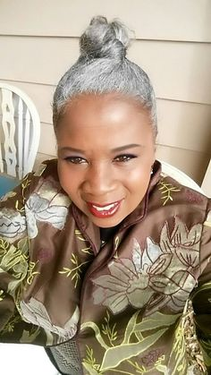 Stupefying Unique Ideas: Older Women Hairstyles Silver Foxes fringe hairstyles red.Asymmetrical Hairstyles Brunette older women hairstyles eye shadows. Hairstyles With Glasses, Wedge Hairstyles, Fringe Hairstyles, Funky Hairstyles, Feathered Hairstyles, Black Women Hairstyles, Girl Hairstyles, Wedding Hairstyles, Updos Hairstyle