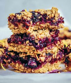 Blueberry Lemon Breakfast Bars These breakfast bars are perfect to have in the fridge for super busy weeks. You know, for those days when you have no time in the morning for a sit down…