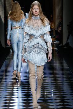 Sfilata Balmain Parigi - Collezioni Autunno Inverno 2016-17 - Vogue