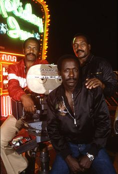 Group portrait of American actors Fred Williamson, Richard Roundtree, and Jim Brown on the set of their film 'One Down Two to Go' , Get premium, high resolution news photos at Getty Images Richard Roundtree, African American Movies, American Actors, Black Actors, Black Celebrities, Fred Williamson, Kobe Bryant Pictures, Tv Icon, Vintage Black Glamour