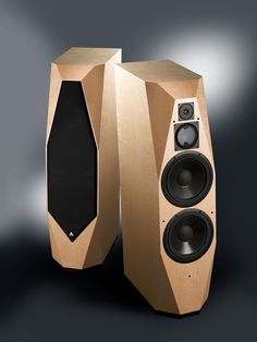 The Time speaker produces a shockingly natural sounding speaker with rich tonal colours, thundering dynamic contrasts that remain in a precise locked focus – enabling the TIME to naturally capture the spatial context of any recording.