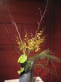 Ikebana by unforth, via Flickr