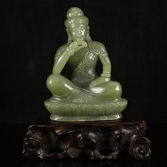 Superb Vintage Hand Carved Chinese Hetian Jade Buddha Statue