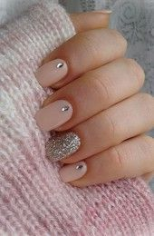 A great nude nail! But with a touch sparkle to make it a lil dressier.