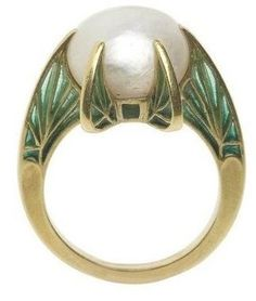 Leaf ring by René Lalique 1900