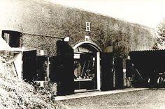 Fort H is een bunker gebouwd tijdens de Frans-Duitse oorlog van 1870. De reden hiervoor was om het vestigingstelsel van Muiden uit te breiden en te verbeteren.  In de periode tussen 1874-1878 werden in de schansen bomvrije onderkomens, schuilplaatsen en remises aangelegd. Uniek aan deze bunkers is dat ze vanuit de lucht of voorkant nauwelijks te zien waren. Fort H deed dienst als opslagplaats voor munitie en ander militair materieel.