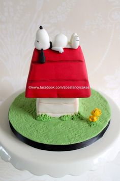 Snoopy cake- more at https://www.facebook.com/zoesfancycakes