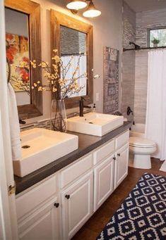 50 Amazing Farmhouse Bathroom Vanity Decor Ideas 102 – Home Design Modern Bathroom Cabinets, Bathroom Vanity Decor, Bathroom Interior, Master Bathroom, Bathroom Ideas, Bathroom Canvas, Rental Bathroom, Bathroom Hardware, Bathroom Inspo
