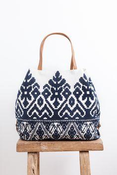 Boho bag - Bags and Purses 👜 Mochila Crochet, Boho Bags, Fabric Bags, Cute Bags, Handmade Bags, Beautiful Bags, My Bags, Purses And Handbags, Bag Making