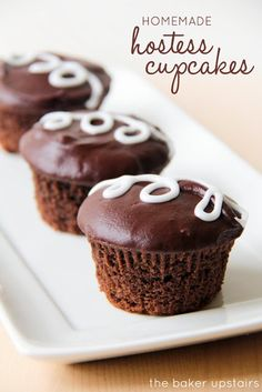Homemade hostess cupcakes from The Baker Upstairs. These cupcakes are so beautiful and delicious, and taste even better than the real thing! http://www.thebakerupstairs.com