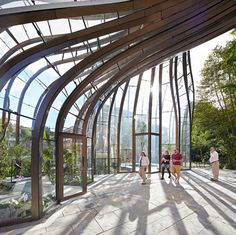 /Bombay Sapphire by Thomas Heatherwick - photographed by Hufton and Crow
