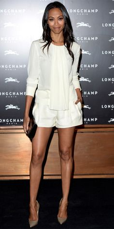 To celebrate the London store opening of Longchamp, Zoe Saldana showed up in a look from the label's spring collection—draped ivory silk blouse and matching shorts—that she paired with a black Longchamp clutch and neutral Christian Louboutin pumps. Zoe Saldana, Fashion Casual, Womens Fashion, Fashion Styles, Shorts Jeans Branco, White Outfits, Mode Inspiration, Ideias Fashion, Long Sleeve Tops