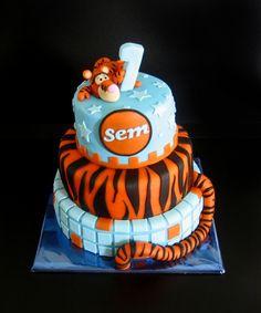 I want this Tigger cake!!