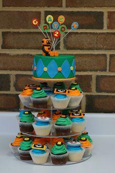 mini cake with cupcakes