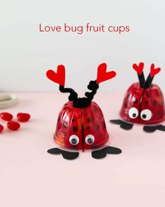 These Valentine's Day love bug fruit cups are the perfect non-candy Valentine for kids. They would make a great class party snack or lunch box treat. day party for kids treats Valentine Love Bug Fruit Cups Valentine Love, Kinder Valentines, Valentine Gifts For Kids, Valentine Day Crafts, Valentine Party, Valentine Ideas, Valentines Ideas For Preschoolers, Valentine Decorations, Valentines Healthy Snacks
