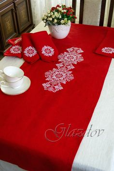 Red table runner with embroidered ornament, 6 napkins, tablecloth Indian Bedroom Design, Linen Tablecloth, Table Linens, Christmas Embroidery, Holiday Tables, Natural Linen, Colorful Rugs, Table Runners, A Table