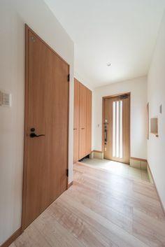 LIXIL玄関ドア。防火戸FG-E ジエスタ(E11)のクリエラスク・・・『防火戸FG-E ジエスタ』なら、夏も冬もしっかり快適 優れた断熱性能で、冷暖房効率もアップするので、節約にもつながります。(リクシルより。優れた断熱性能で、夏涼しく、冬暖かく) #ジエスタ #LIXIL #リクシル #玄関 #玄関ドア #防火戸FG-E #断熱