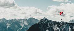 Paraglider im Sommer. Mountain Climbing, Rock Climbing, Mountain Biking, Rafting, Wild Life, Mount Everest, Hiking, Relax, Swimming
