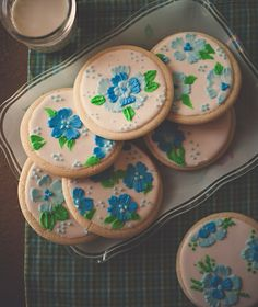 My darling friend @Bethany Anderson creates the most lovely cookies I ever did see.