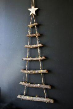 Rope Ladder Christmas Tree #ChristmasRopeLadder #LadderAdventCalendar #ChristmasTree #AdventCalendar #DIYAdvent #DIY #CreativeChristmas